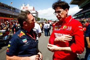 Christian Horner, Team Principal, Red Bull Racing, speaks with Mattia Binotto, Team Principal Ferrari
