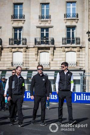 Oliver Turvey, NIO Formula E Team, on a track walk with his team
