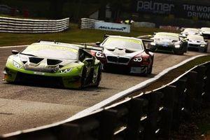 #69 Barwell Motorsport Lamborghini Huracan GT3 EVO: Sam De Haan, Jonny Cocker