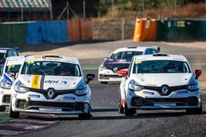 Clio Cup action