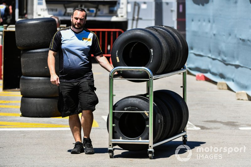 Pirelli test tyres in the pits