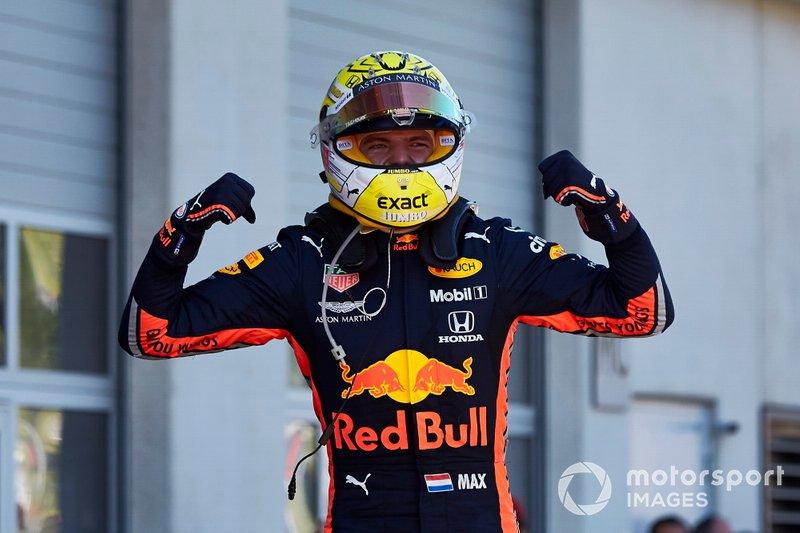 Il vincitore della gara Max Verstappen, Red Bull Racing, festeggia al Parc Ferme