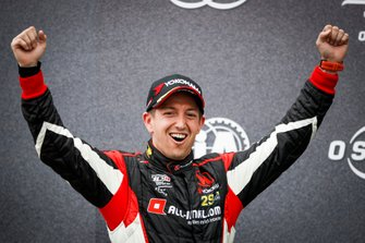Podium: Race winner Néstor Girolami, ALL-INKL.COM Münnich Motorsport Honda Civic Type R TCR