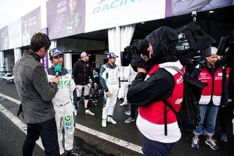 Sérgio Jimenez, Jaguar Brazil Racing, is interviewed by TV Presenter Vernon Kay