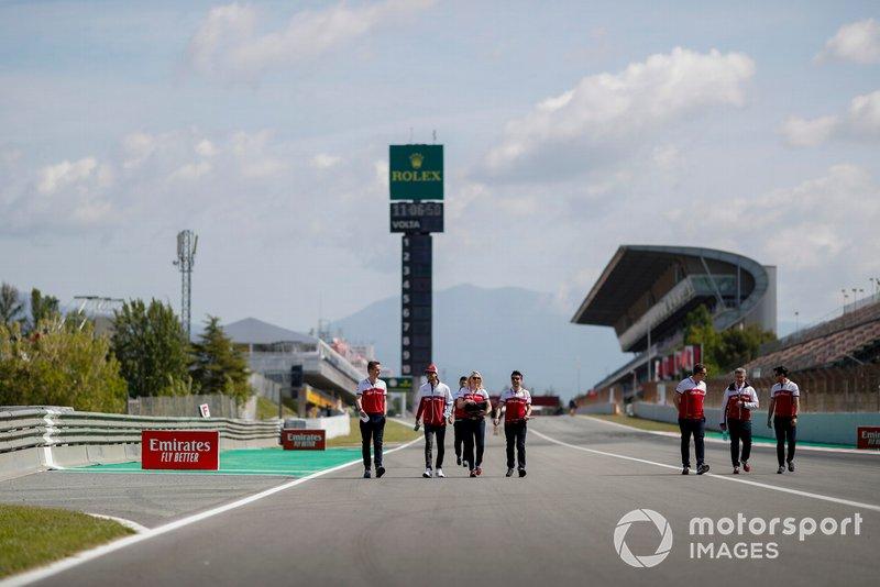 Antonio Giovinazzi, Alfa Romeo Racing cammina sulla pista