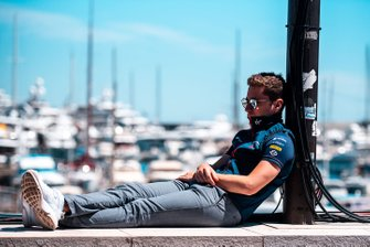 Robin Frijns, Envision Virgin Racing, naps by the harbour