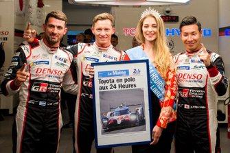 Polesitter: #7 Toyota Gazoo Racing Toyota TS050: Mike Conway, Kamui Kobayashi, Jose Maria Lopez, mit Miss 24 Heures du Mans 2019