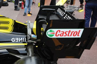 Renault F1 Team rear wing technical detail