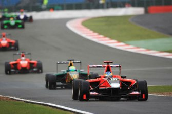 Adrian Quaife - Hobbs, Marussia Manor Racing, rientra ai box con James Calado, Lotus ART, Mitch Evans, MW Arden