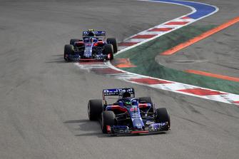 Brendon Hartley, Scuderia Toro Rosso STR13 et Pierre Gasly, Scuderia Toro Rosso STR13