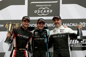 Podium: Winnaar Frédéric Vervisch, Audi Sport Team Comtoyou Audi RS 3 LMS, nummer twee Timo Scheider, ALL-INKL.COM Münnich Motorsport Honda Civic Type R TCR, nummer drie Yvan Muller, YMR Hyundai i30 N TCR