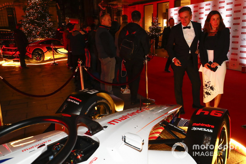 Alejandro Agag admires the Mahindra Formula E car on the red carpet