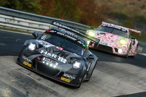 #70 Team Uwe Alzen Automotive Porsche 991 GT3 CUP MR: Uwe Alzen, Mike Stursberg