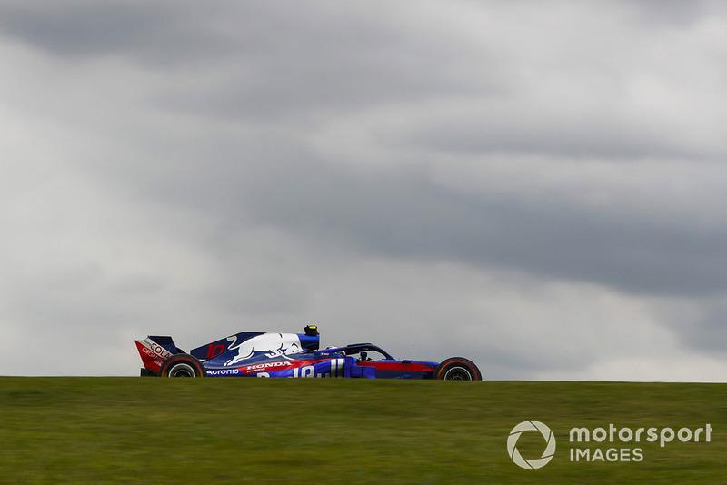 Pierre Gasly, Scuderia Toro Rosso STR13 Steven Tee