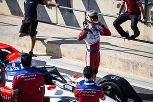 Pascal Wehrlein, Mahindra Racing, M5 Electro retire son casque