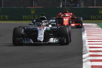Lewis Hamilton, Mercedes AMG F1 W09 EQ Power+ and Sebastian Vettel, Ferrari SF71H