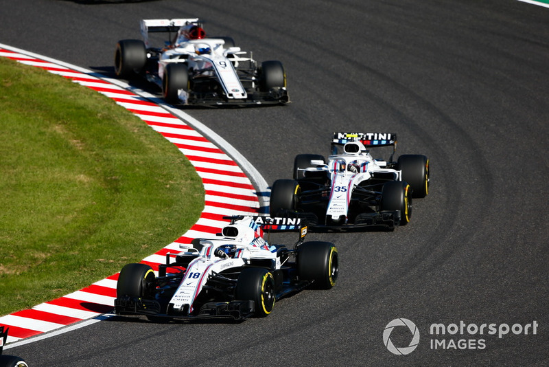 Lance Stroll, Williams FW41, devance Sergey Sirotkin, Williams FW41, et Marcus Ericsson, Sauber C37
