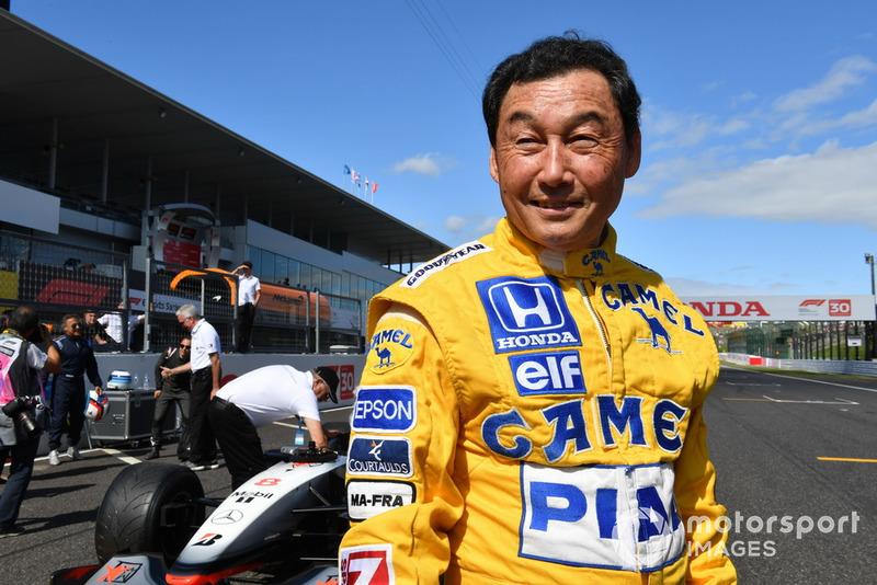 Satoru Nakajima lors des Legends F1 30th Anniversary Lap Demonstration