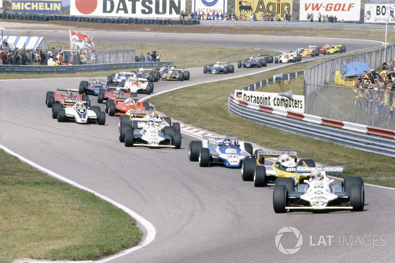 Alan Jones, Williams FW07B-Ford Cosworth, leads René Arnoux, Renault RE20, Jacques Laffite, Ligier JS11/15-Ford Cosworth, Carlos Reutemann, Williams FW07B-Ford Cosworth, Jean-Pierre Jabouille, Renault RE20, Nelson Piquet, Brabham BT49-Ford Cosworth, Bruno Giacomelli, Alfa Romeo 179B, Gilles Villeneuve, Jody Scheckter, both Ferrari 312T5, Mario Andretti, Lotus 81-Ford Cosworth, John Watson, McLaren M29C-Ford Cosworth, Didier Pironi, Ligier JS11/15-Ford Cosworth, Elio de Angelis, Lotus 81-Ford Cosworth, Riccardo Patrese, Arrows A3-Ford Cosworth, Jean-Pierre Jarier, Tyrrell 010-Ford Cosworth, Eddie Cheever, Osella FA1-Ford Cosworth, y Nigel Mansell, Lotus 81B-Ford Cosworth
