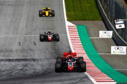 Romain Grosjean, Haas F1 Team VF-18, Sebastian Vettel, Ferrari SF71H, Kevin Magnussen, Haas F1 Team VF-18, abd Nico Hulkenberg, Renault Sport F1 Team R.S. 18