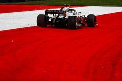 Kevin Magnussen, Haas F1 Team VF-18 sort au large