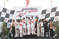 Podio: ganadores de la carrera Kelvin van der Linde, Pierre Kaffer, Markus Winkelhock, Team Magnus,