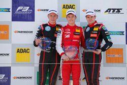 Rookie Podium: Winner Marcus Armstrong, PREMA Theodore Racing Dallara F317 - Mercedes-Benz, second place Jüri Vips, Motopark Dallara F317 - Volkswagen, Jonathan Aberdein, Motopark Dallara F317 - Volkswagen