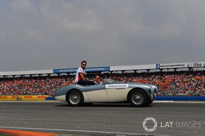 Charles Leclerc, Sauber, at drivers parade