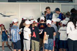 Sergey Sirotkin, Williams e i grid kids nella drivers parade