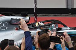 Race winner Lewis Hamilton, Mercedes-AMG F1 W09 EQ Power+ and camera phones in parc ferme