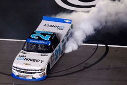 Ganador de la carrera Johnny Sauter, GMS Racing Chevrolet