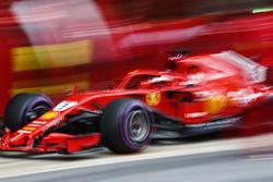 Arrêt au stand pour Sebastian Vettel, Ferrari SF71H