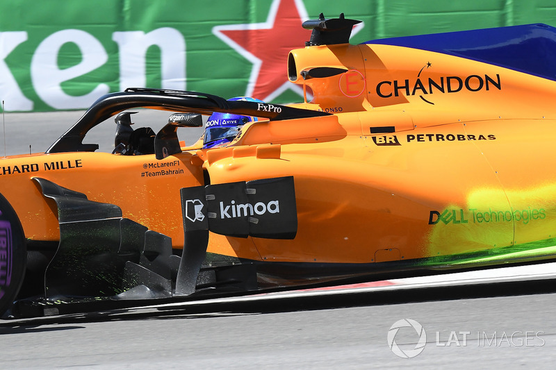 Fernando Alonso, McLaren MCL33, con parafina