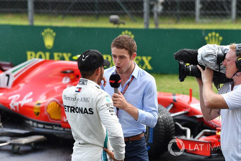 Lewis Hamilton, Mercedes-AMG F1 talks with Paul di Resta, Sky TV in parc ferme