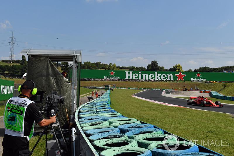 Sebastian Vettel, Ferrari SF71H and cameraman