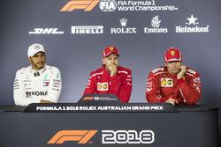 Lewis Hamilton, Mercedes-AMG F1, Sebastian Vettel, Ferrari et Kimi Raikkonen, Ferrari, en conférence de presse