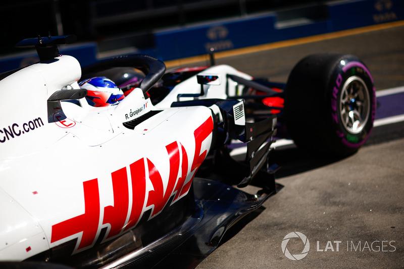Romain Grosjean, Haas F1 Team VF-18 Ferrari, leaves the garage