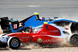Julien Falchero, Arden International and Juan Manuel Correa, Jenzer Motorsport collide