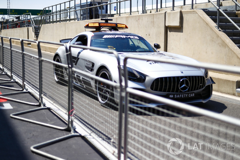 Mercedes AMG GT R safety car
