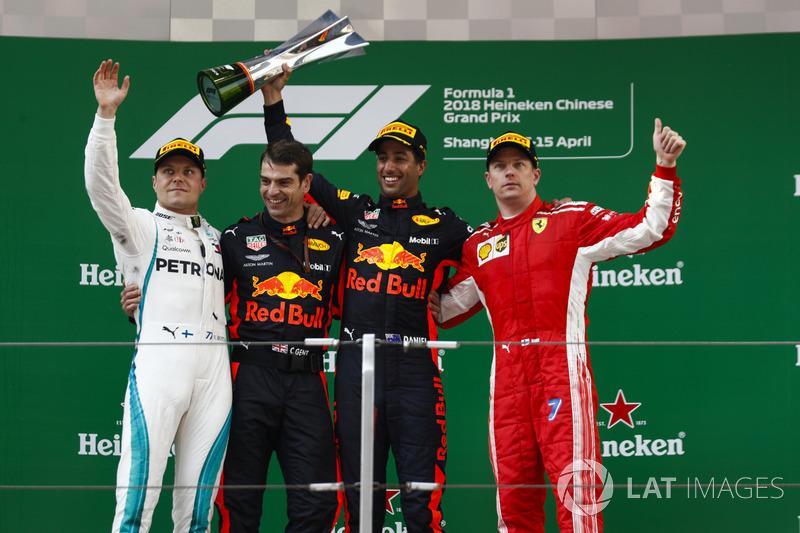 3. GP Tiongkok - Podium: Daniel Ricciardo, Valtteri Bottas, Kimi Raikkonen