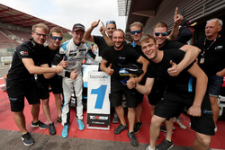 Winner Kris Richard, Target Competition Hyundai i30 N TCR with the team