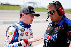 Christian Eckes, Kyle Busch Motorsports, Toyota Tundra Mobil 1 and crew member