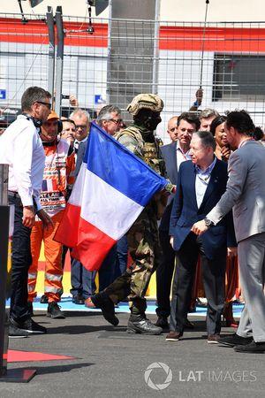 Jean Todt, président de la FIA sur la grille