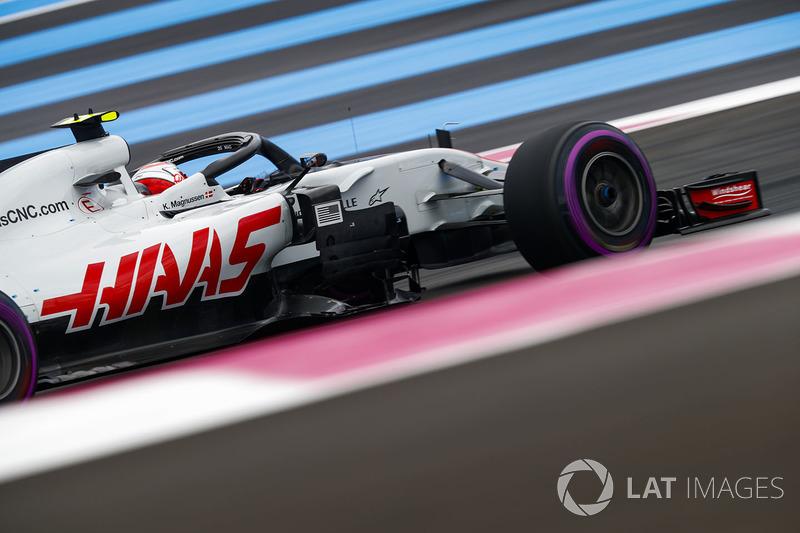 Гран При Франции: драма Сайнса на последних кругах и победа Магнуссена