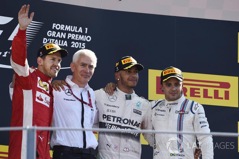Подиум: победитель гонки Льюис Хэмилтон, Mercedes AMG F1, второе место – Себастьян Феттель, Ferrari, третье место – Фелипе Масса