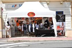 Merchandise dell'associazione di Jules Bianchi
