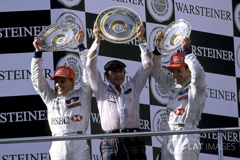 Pódio: terceira posição para Rubens Barrichello, Stewart Grand Prix