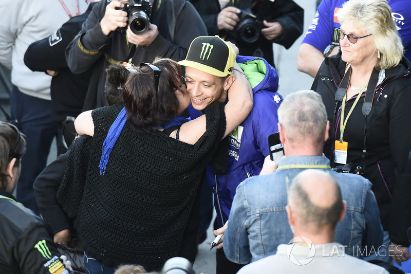 Valentino Rossi, Yamaha Factory Racing with fans