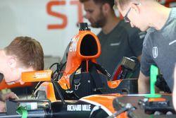 McLaren MCL32, airbox