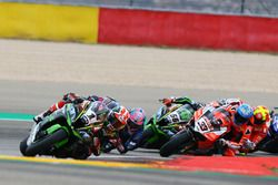 Jonathan Rea, Kawasaki Racing leads the restart